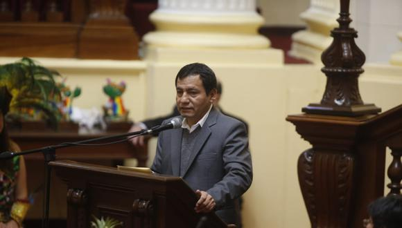 El congresista Joaquín Dipas participó de un evento en el Legislativo referido a la hoja de coca. (Foto: Mario Zapata / GEC)