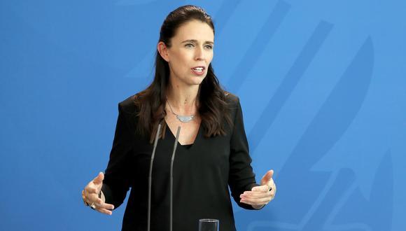 La primera ministra de Nueva Zelanda, Jacinda Ardern, se comprometió a ejercer un mayor control sobre las armas en su país. (Foto: EFE)