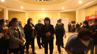 Pilar Mazzetti fue despedida entre aplausos del Ministerio de Salud