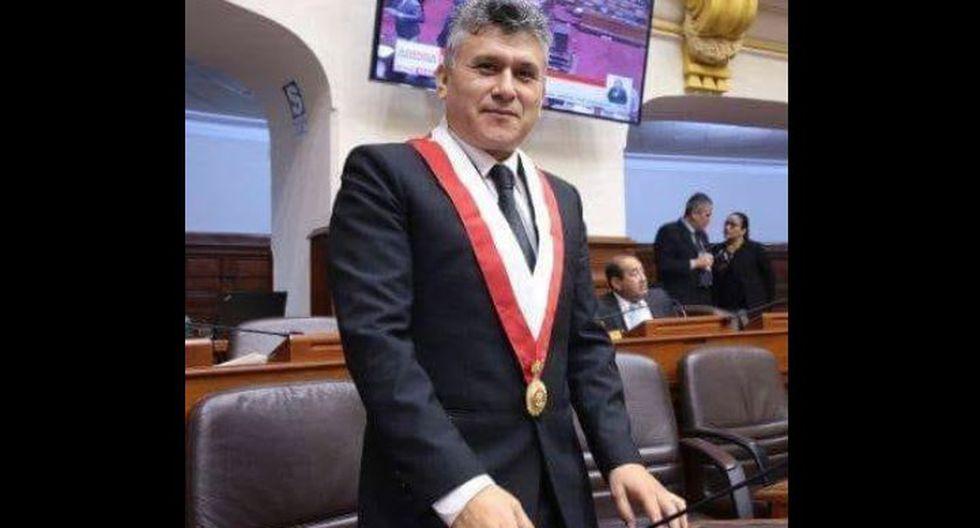 El congresista César Campos negó el cobro de porcentajes salariales de sus trabajadores. (Foto: Facebook)