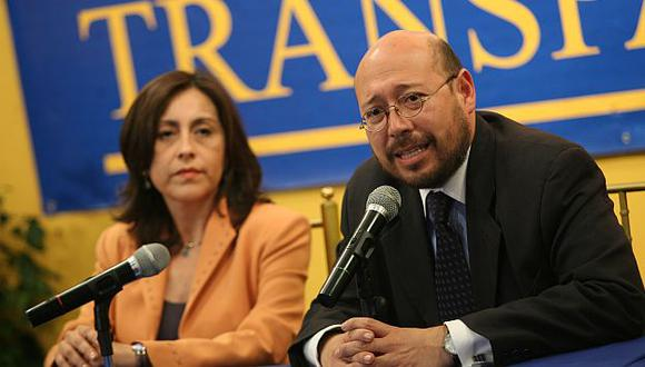 Su secretario Percy Medina afirmó que dicha medida no ayudará a fortalecer el sistema político. (USI)