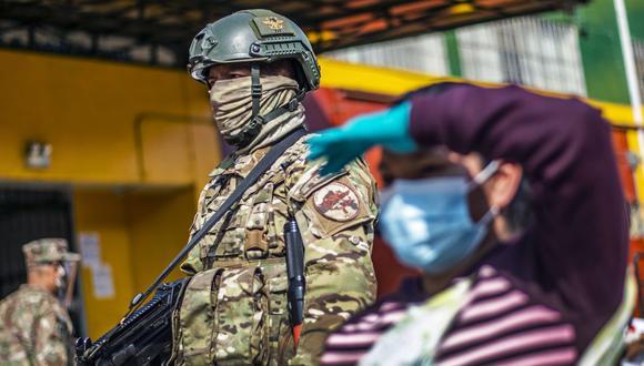 El pago de los 760 soles por la modalidad Depósito en cuenta seguirá hasta diciembre según un cronograma (Foto: Ernesto Benavides / AFP)
