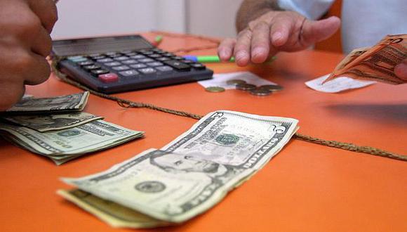 Hoy el dólar se vendía a S/3.335 en el mercado paralelo este martes. (Foto: GEC)