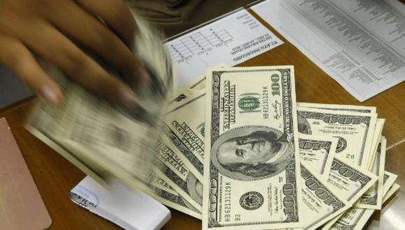 El dólar cerró sin cambios el lunes. (Foto: Reuters)