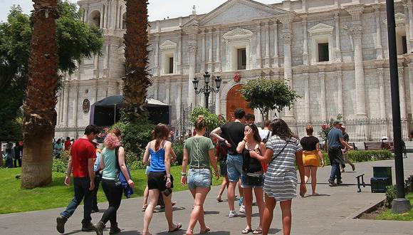 Congresista Rubén Pantoja presentó Proyecto de Ley  para congelar deudas bancarias a empresarios turísticos y gastronómicos afectados por la pandemia del COVID-19. (foto referencial)