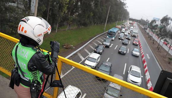 Hoy se inició la implementación de 'pico y placa', un plan piloto que busca restringir la circulación de los autos en vías de la capital según sus números de matrícula. (Foto: GEC)