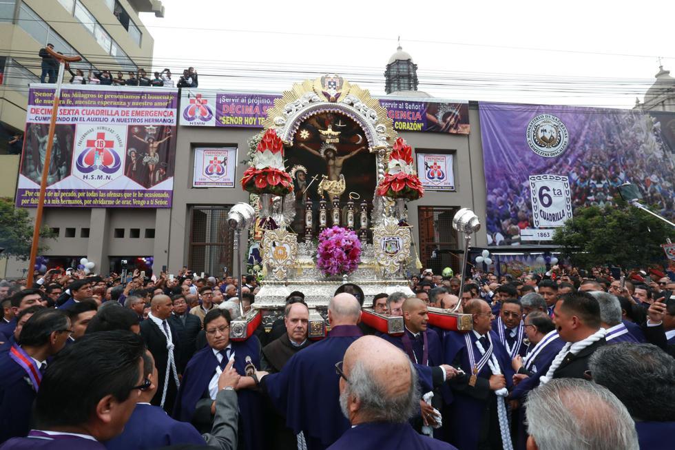 La imagen del Cristo de Pachacamilla saldrá del templo de las Nazarenas a las 06:00 horas. (Foto: Andina)
