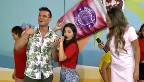 Estrella Torres hace broma pesada a Christian Domínguez. (Foto: Captura Latina)