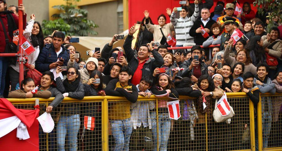 """Asistentes al Desfile y Parada Militar le gritaron a Martín Vizcarra: """"Cierren el Congreso"""". (Fernando Sangama)"""