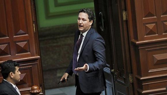 Salaverry presentó una medida cautelar para que se suspenda la tramitación del informe de Ética que recomienda suspenderlo 120 días.(Foto: GEC)