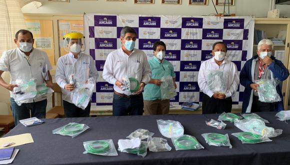 SIDERPERÚ, empresa de Gerdau, realizó una donación de 10 concentradores de oxígeno al Hospital Regional de Chimbote.