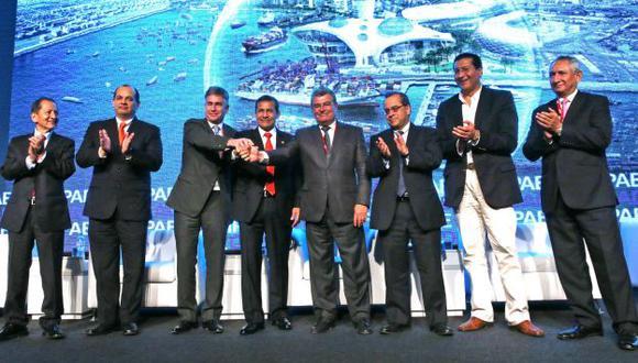 Ollanta Humala dio el discurso de clausura acompañado de sus ministro. (Andina)