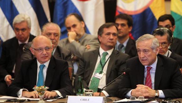 Venezuela: Unasur crea comisión para diálogo entre gobierno y oposición. (EFE)