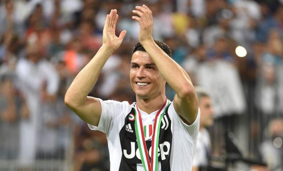 Cristiano Ronaldo ganó la Supercopa de Italia, su primer trofeo con la Juvenuts. (Foto: AFP)
