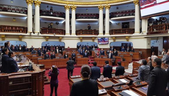 Parlamentarios rindieron un minuto de silencio para oficial caído en el Vraem. (Congreso de la República)