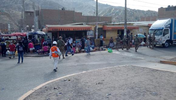 Las Fuerzas Armadas y Policía resguardan los mercados de Pachacámac. (Facebook)