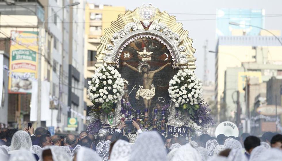 Señor de los Milagros: Miles acompañaron la imagen en su penúltimo recorrido. (Roberto Cáceres)