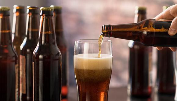 Así como hay diversos tipos de padres también hay diversos sabores de cervezas artesanales. (Getty Images)