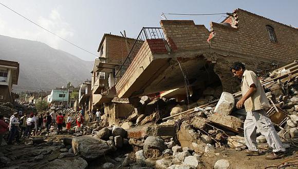 Huaicos arrasaron con decenas de viviendas hechas de material noble. (Luis Gonzales)