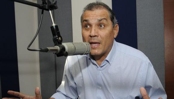 El mayor de los Correa apoya el libre mercado, a diferencia de su hermano. (AP)