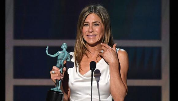 Jennifer Aniston confesó que para calmar su ansiedad se permite comer una sola papa frita. (Foto: Robyn Beck / AFP)