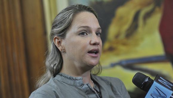 """El procurador anticorrupción Amado Enco detalló que en el caso de Luciana León """"se dan todos los presupuestos"""" para pedir el impedimento de salida del país. (Foto: GEC)"""