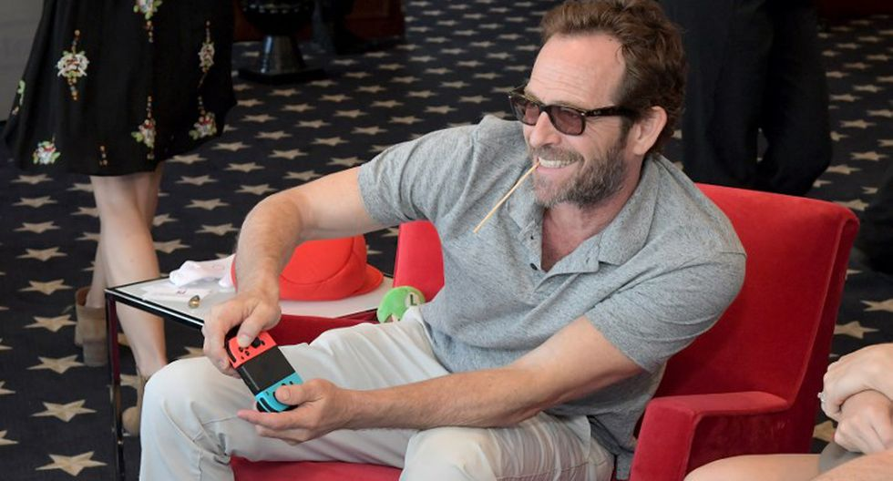 "Luke Perry: coestrella de ""Riverdale"" envía emotivo mensaje en honor al actor. (Foto: AFP)"