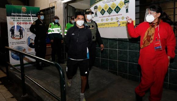 Los detenidos serán investigados por resistencia a la autoridad, agresión e incumplimiento de las normas sanitarias. (Foto: César Bueno/GEC)
