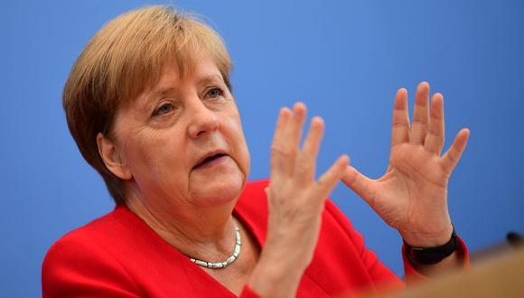Los sucesivos ataques de temblores de la canciller han suscitado cierto debate en Alemania sobre la necesidad o no de que Merkel informe sobre su estado de salud. (Foto: EFE)