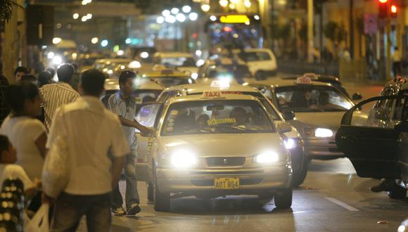 INFORMALES. Taxis colectivos recorren diversos distritos.