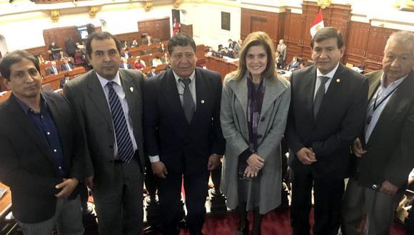 Se aprobó declarar 'Héroes de la Democracia' a miembros del GEIN. (@MecheAF )