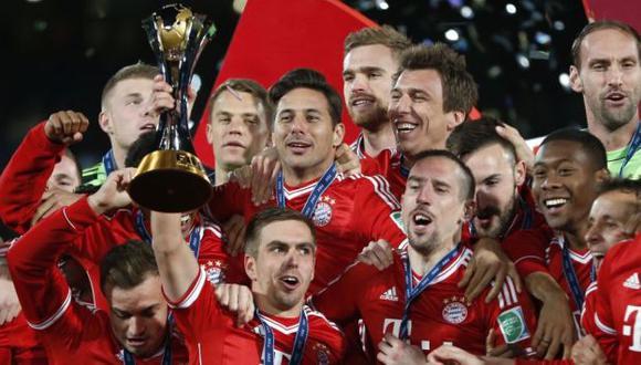Claudio Pizarro festejó la obtención del título del Mundial de Clubes en Marruecos. (AP)