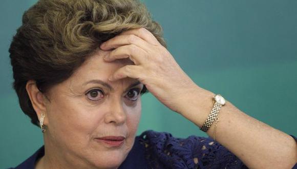 Contra las cuerdas. Dilma Rousseff es acusada de graves irregularidades en el manejo de los presupuestos del Estado. (Agencias)