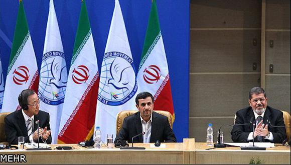 Ban Ki-moon y Mursi pusieron en aprietos a Ahmadinejad. (Reuters)