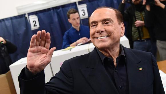 Alianza de derecha encabezada por Silvio Berlusconi vence al partido antisistema MS5 según los primeros sondeos tras el cierre de urnas (AFP).