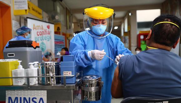 La primera fase de la campaña de vacunación contra el coronavirus inició el último martes. (Foto: Minsa)