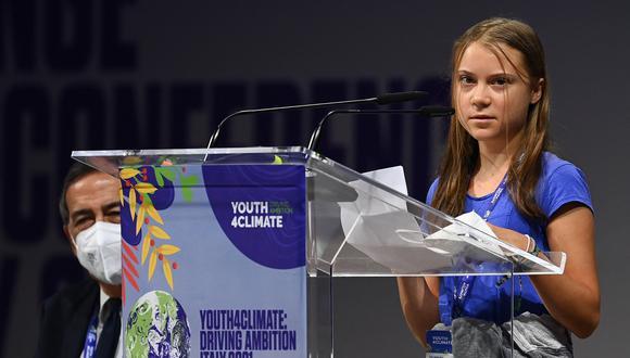 La activista climática sueca Greta Thunberg pronuncia un discurso durante la sesión plenaria de apertura del evento Youth4Climate el 28 de septiembre de 2021 en Milán. (Foto de MIGUEL MEDINA / AFP)