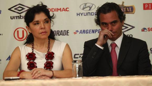 Rocío Chávez junto al entrenador crema, 'Chemo' del Solar. (USI)