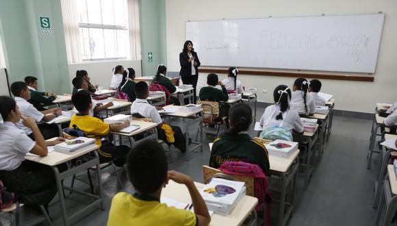 """""""La preparación para un posible retorno a las clases presenciales en las escuelas ha sido anunciada por el ministro de Educación. Si bien aún no hay una fecha precisa para este retorno, el anuncio es relevante para todo el sistema educativo en el Perú"""". (Foto: Hugo Pérez / GEC)"""