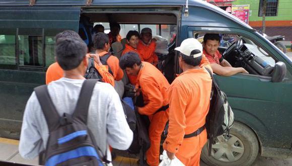 Operarios y técnicos de las empresas de gas abandonan Kiteni ante la amenaza de remanentes senderistas. (USI)