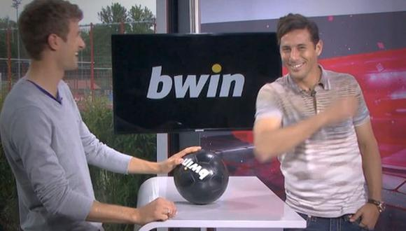 """Thomas Müller a Claudio Pizarro: """"El Mundial lo va a ganar Perú"""". (Captura de YouTube)"""