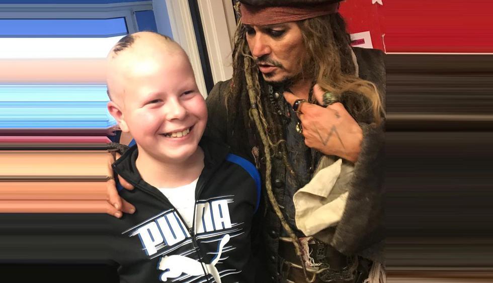 Johnny Depp visitó a niños enfermos de cáncer en hospital de París disfrazado de Jack Sparrow. (Foto: @institut_curie)