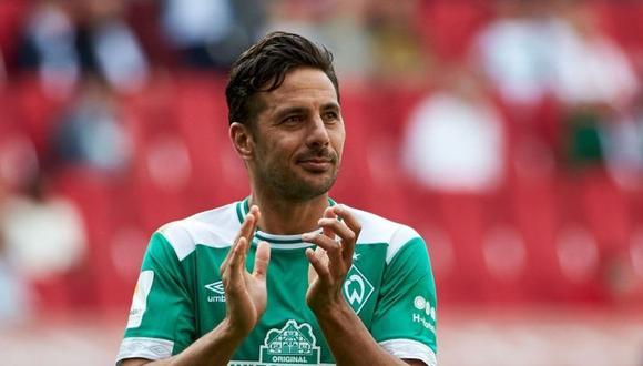 Claudio Pizarro estrenó radical cambio de look y sorprendió con el cabello teñido.