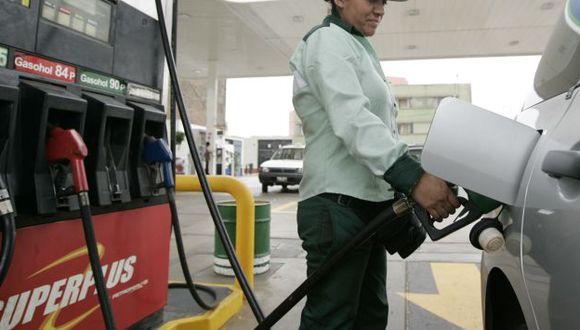 Gasolina de 84 octanos ahora cuesta S/.11.48 por galón. (Perú21)