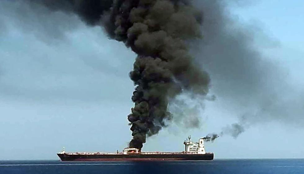 Dos petroleros quedan a la deriva y en llamas tras ataque en el Golfo de Omán. (Foto: AFP)