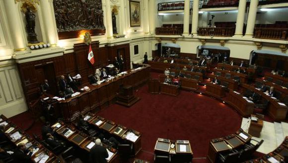 Legisladores critican que se busque dar leyes sin debatir. (Rafael Cornejo)