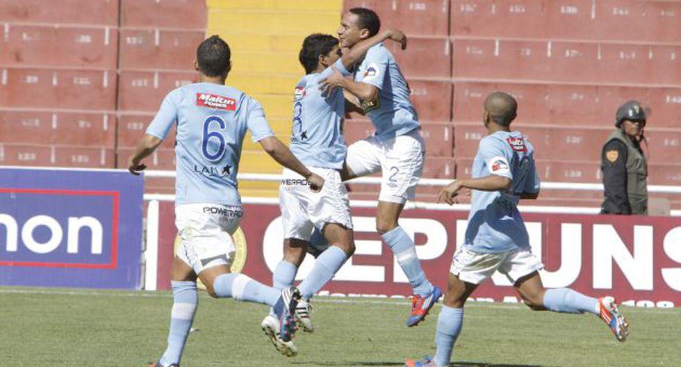 LÍDERES. Granda festeja el 1-0 en la UNSA de Arequipa. (USI)