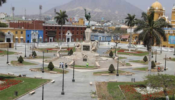 Así luce la Plaza de Armas de Trujillo.