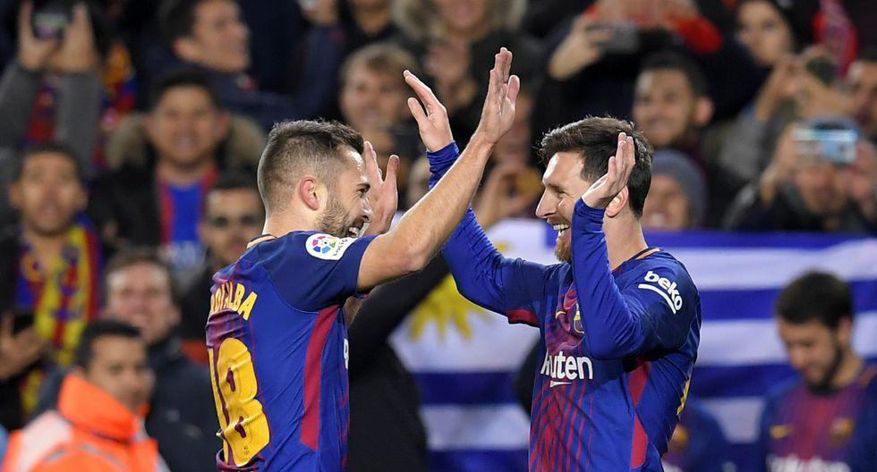 Nueva mente tras centro de Jordi Alba, el ´10´ del Barcelona remató y puso el 2-0. (AFP).