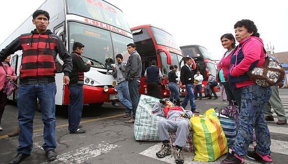 Precios de pasajes se incrementaron en terminal yerbateros por fiestas navideñas. (USI)